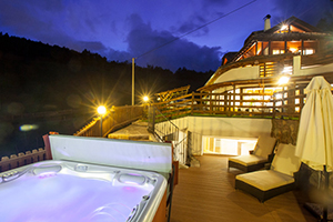 Terrace with Jacuzzi at Night - Chalet Grumer Suites & Spa - Oberbozen, Trentino Alto Adigio, ITALIA