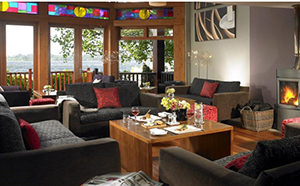 Lounge - Wineport Lodge - Glasson, Westmeath, IRELAND