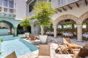Pool and Exterior Dining Room - Tcherassi Hotel + Spa - Cartagena, KOLUMBIEN
