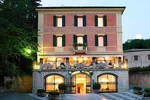 Small luxury hotels and boutique hotels in italy for Great small hotels italy