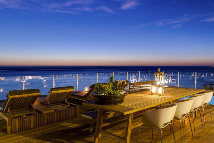 Exterior Dining Room - Cape View Clifton - Cape Town