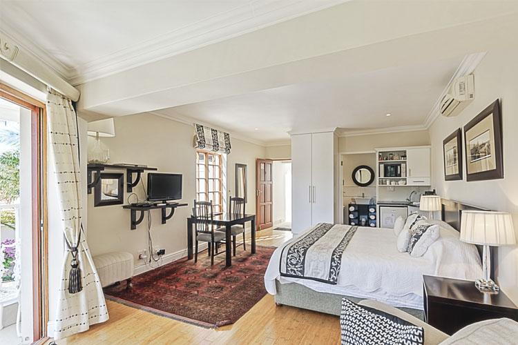 Suite 1 - Millbury Guest House - Port Elizabeth