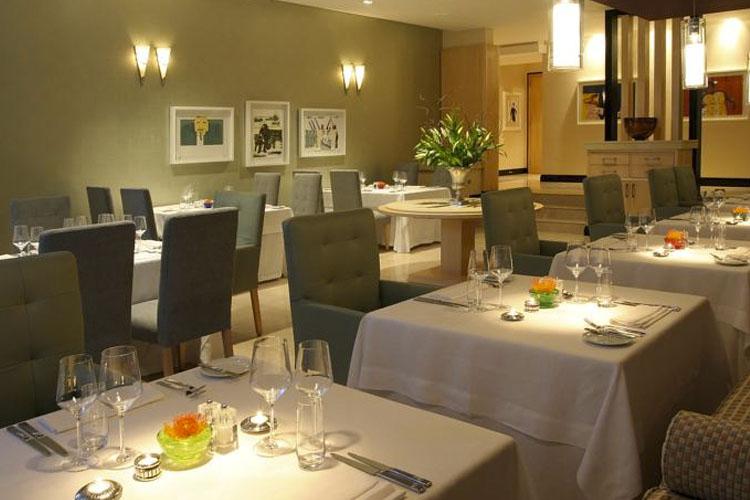 Dining Room - No 5 Boutique Art Hotel - Port Elizabeth
