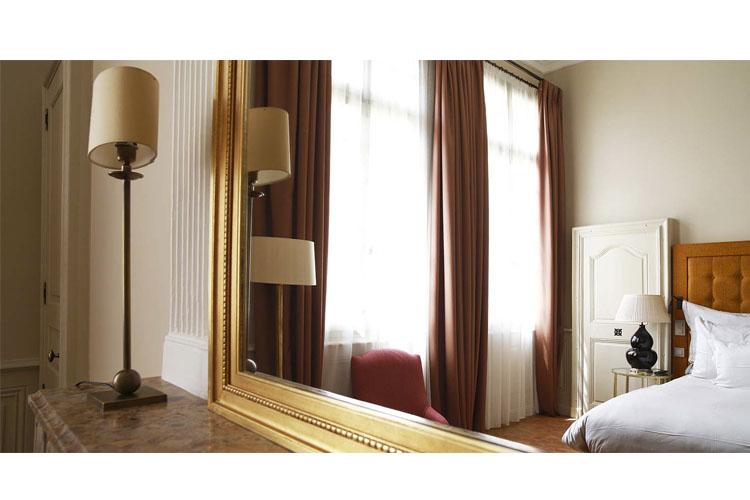 la maison d 39 uz s ein boutiquehotel in languedoc roussillon. Black Bedroom Furniture Sets. Home Design Ideas