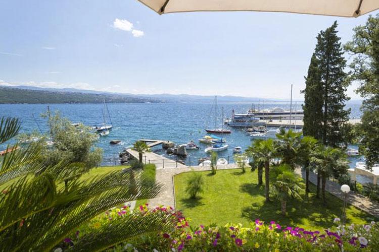 Design hotel royal ein boutiquehotel in opatija for Kroatien designhotel