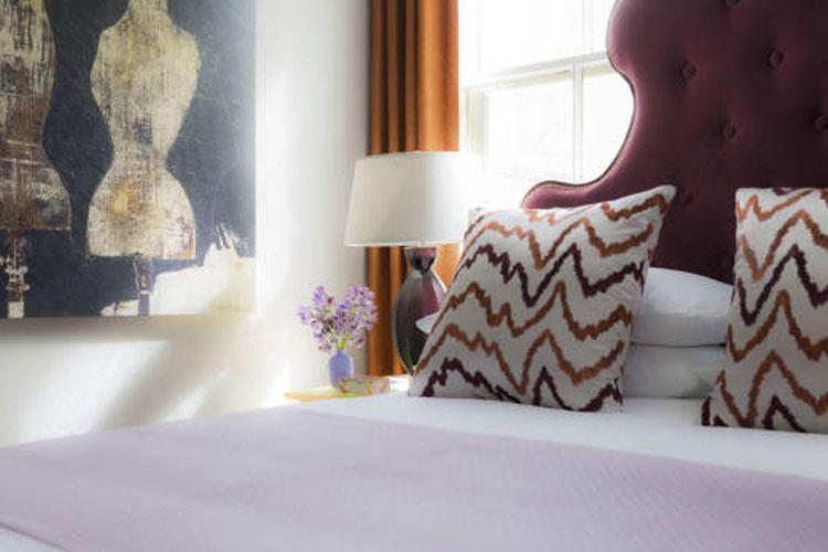 Queen Room - Gilded Hotel - Newport