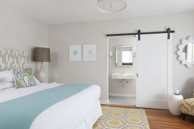 King Suite - The Attwater - Newport