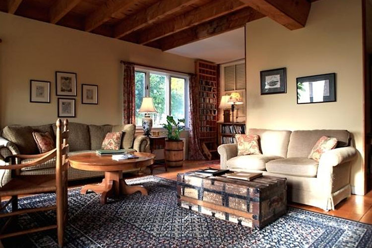 Lounge - Windham Hill Inn - West Townshend