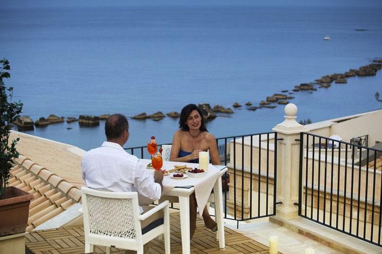Exterior Dining Room - Algilà Ortigia Charme Hotel - Syrakus