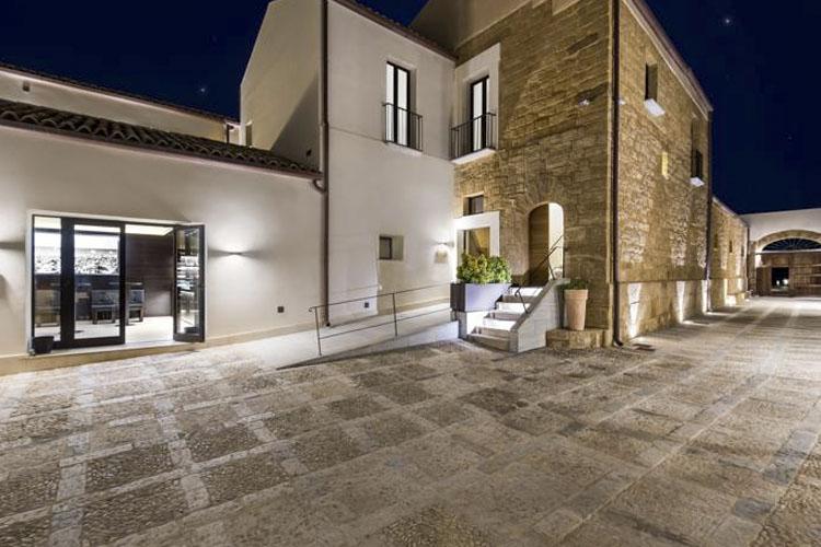 Entrance - Baglio Sorìa Resort & Wine Experience - Trapani