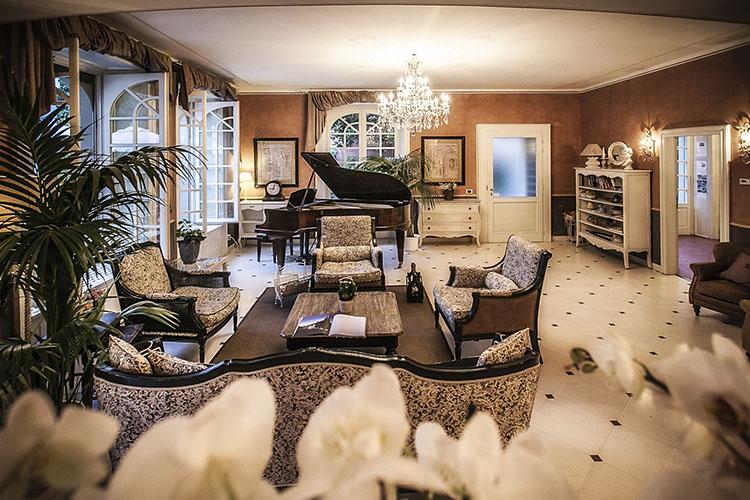 Relais villa vittoria h tel boutique lac de c me - Hotel de charme lac de come ...