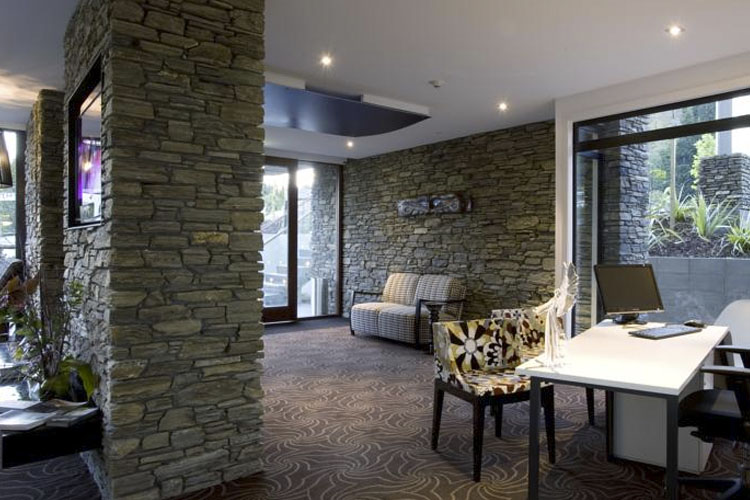 Reception - Queenstown Park Boutique Hotel - Queenstown