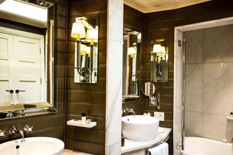 Bathroom - Eichardt's Private Hotel - Queenstown