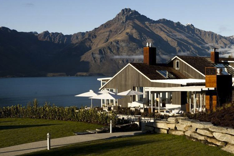 Exterior - Matakauri Lodge - Queenstown