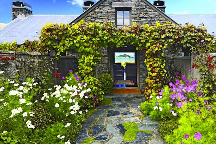 Facade - Blanket Bay - Glenorchy