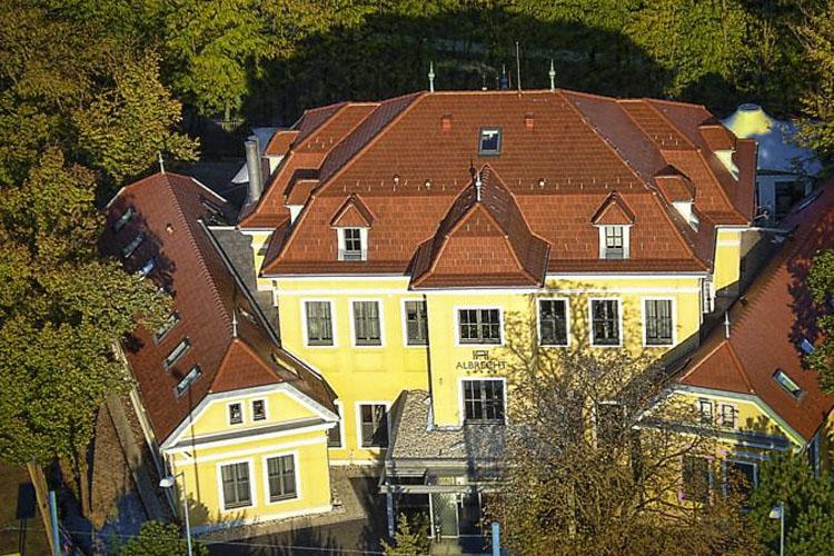 Facade - Hotel Albrecht - Bratislava