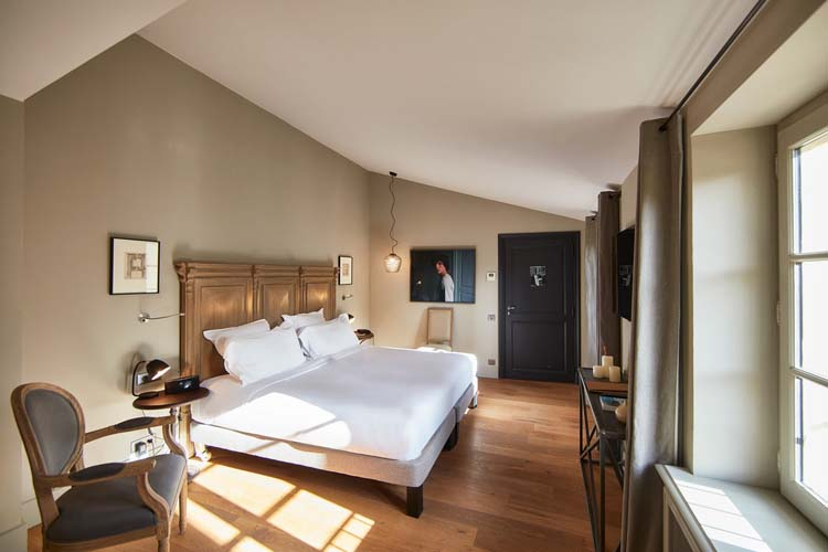 domaine de fontenille a boutique hotel in provence french riviera. Black Bedroom Furniture Sets. Home Design Ideas