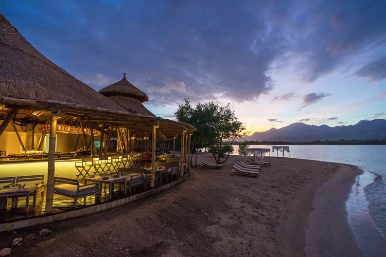 Pasir Putih Beach Club - Menjangan Dynasty Resort - Pejarakan