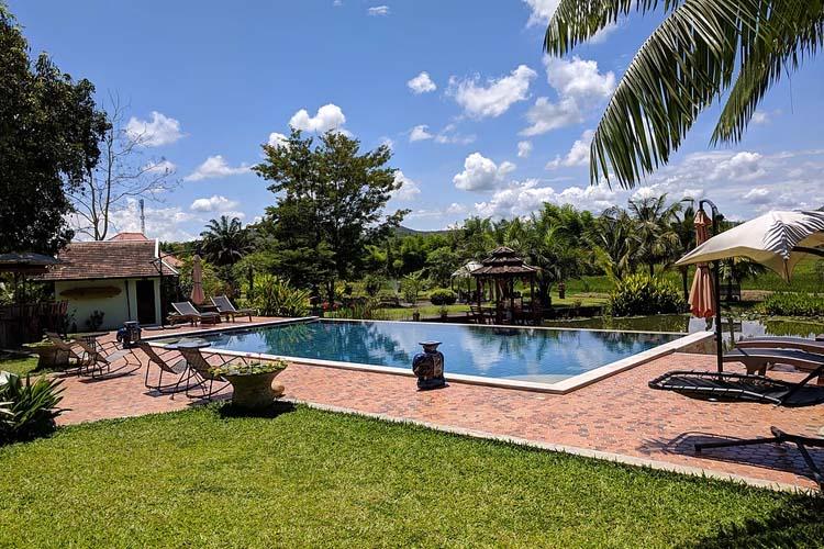 Afternoon swimming pool view - Rice and Zen Boutique Resort - Doi Saket