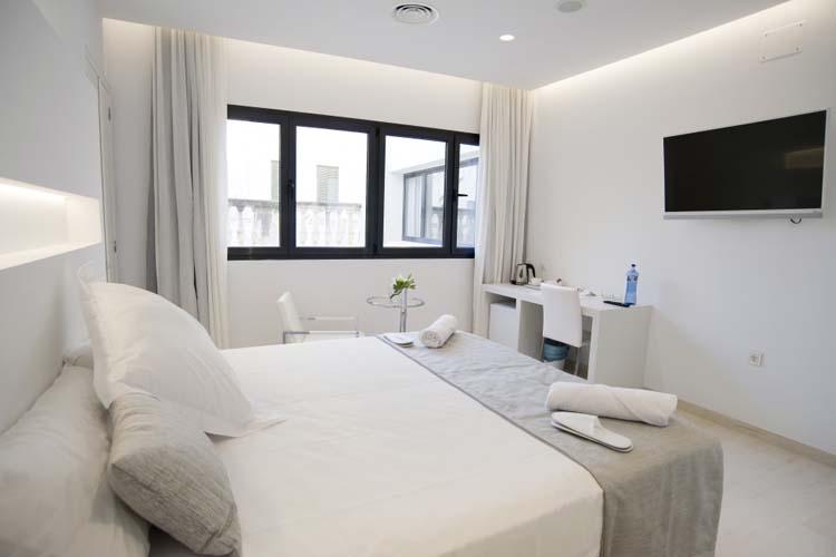 Double Deluxe Room 4 - Sindic Hotel - Mahón