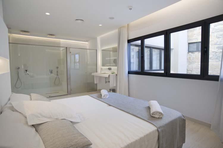 Double Superior Room 6 - Sindic Hotel - Mahón