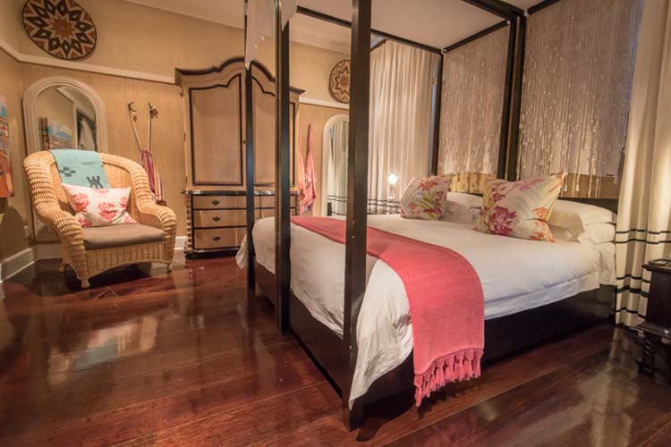 Xhosa Room - Hout Bay Manor - Hout Bay