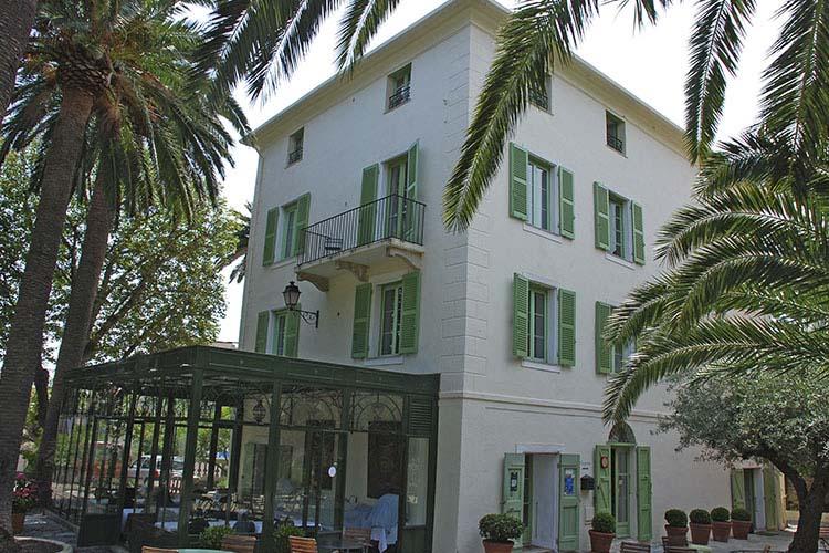 Facade - Hôtel Demeure Castel Brando - Erbalunga