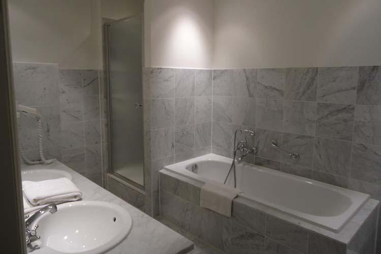 Bathroom - Guest House Mirabel - Bruges