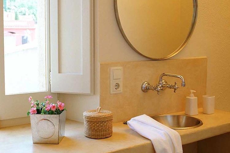 Sa Riera Bathroom - Aiguaclara Hotel Begur - Costa Brava