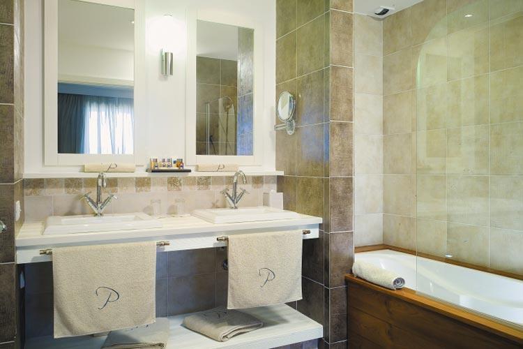 Suite Bathroom - Le Pinarello - Sainte Lucie de Porto Vecchio
