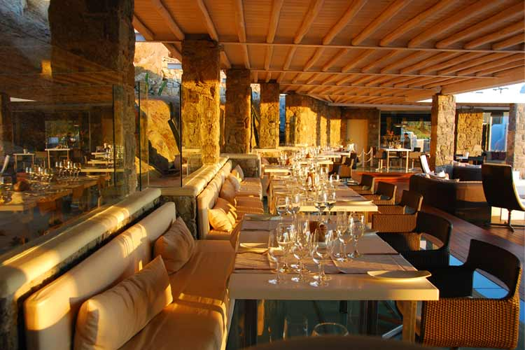 Outdoor Restaurant - Bill & Coo All Suites Hotel - GRÈCE