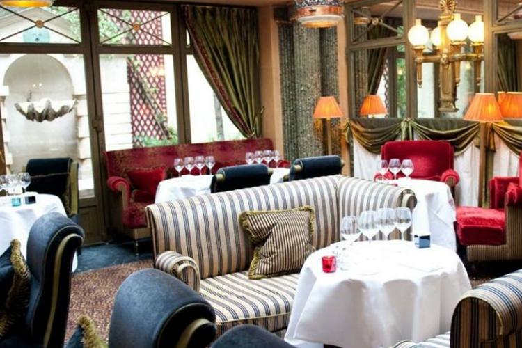 Restaurant - L'Hotel - Paris