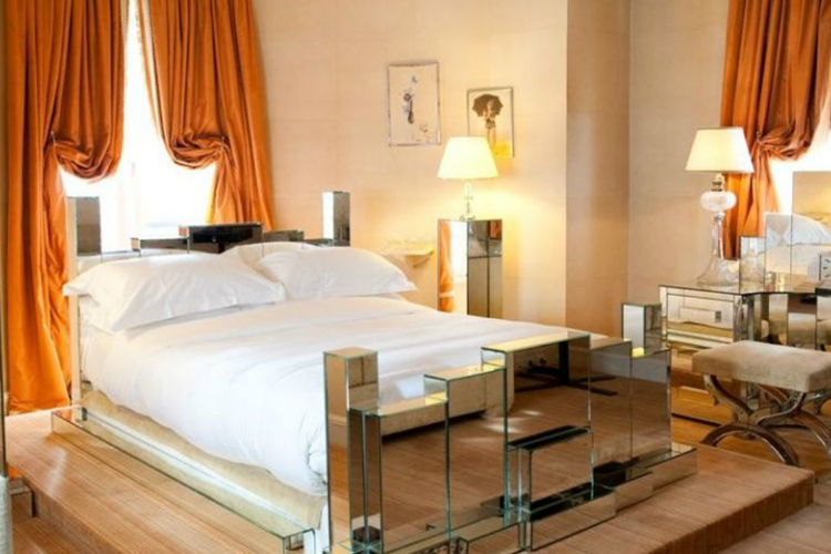 Bedroom Chic - L'Hotel - Paris