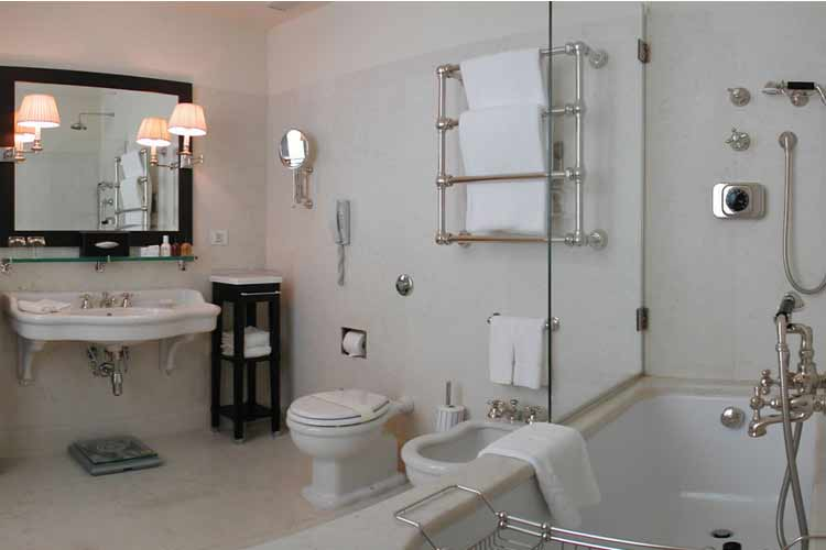 Double Deluxe Bathroom - JK Place Firenze - Florenz