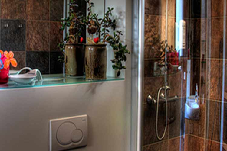 Bathroom - Hotel Glymur - Hvalfjordur