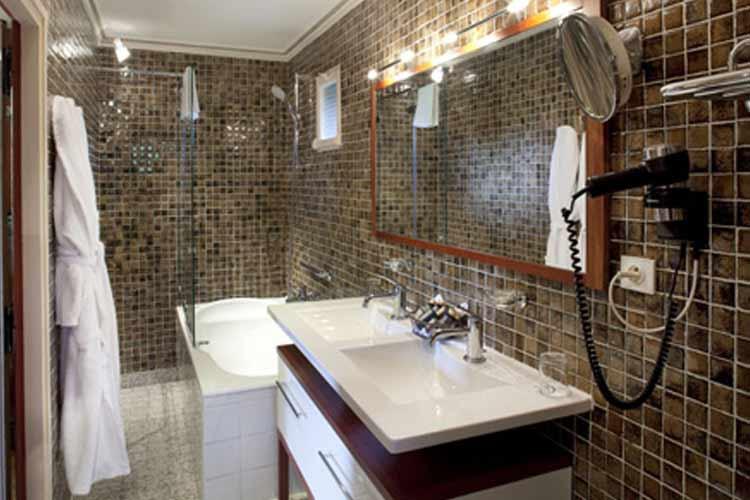 Suite Bathroom - Château d'Igé - Igé