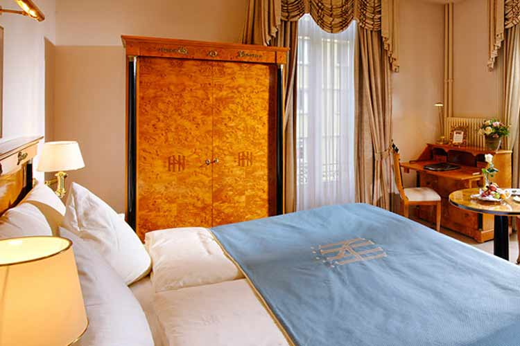 Standard Double Room - Grand Hotel National Luzern - Luzern