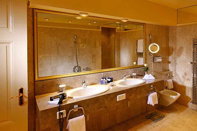 Bathroom - Grand Hotel National Luzern - Luzern