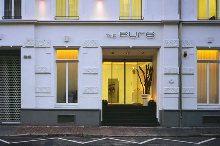 the pure hotel a boutique hotel in frankfurt. Black Bedroom Furniture Sets. Home Design Ideas