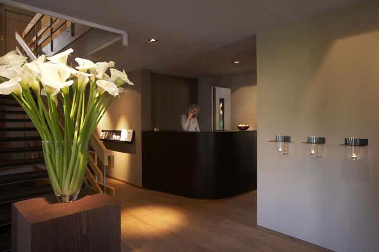 Front Desk - Hotel Victoria Meiringen - Meiringen