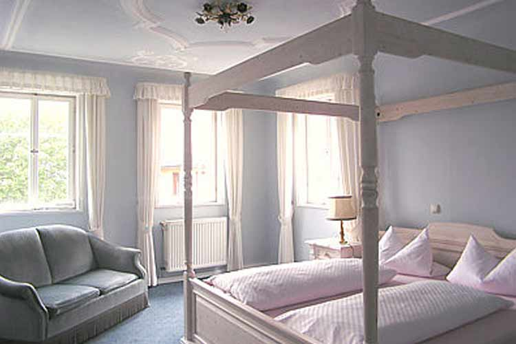 burg hotel a boutique hotel in bavaria. Black Bedroom Furniture Sets. Home Design Ideas