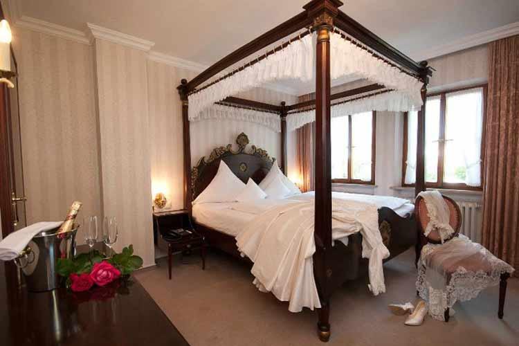 Double Room - Burg-Hotel - Rothenburg ob der Tauber