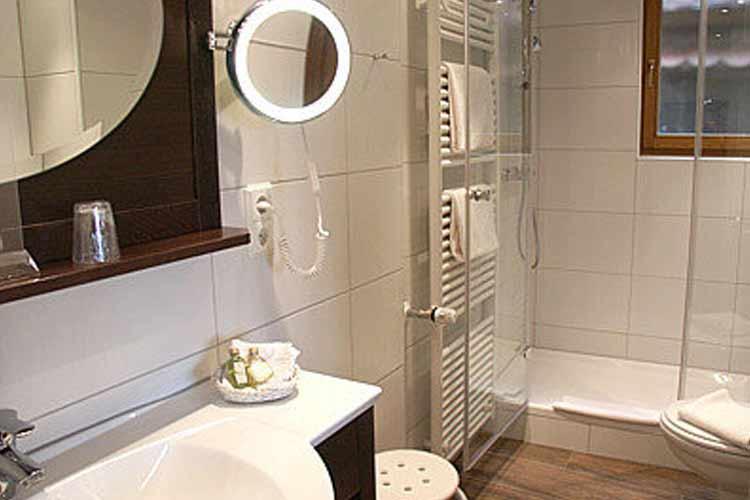 Double Bathroom - Burg-Hotel - Rothenburg ob der Tauber