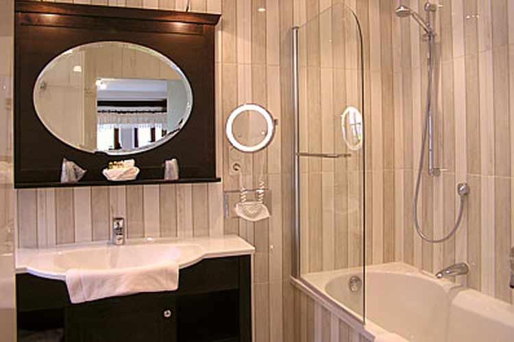 Suite Bathroom - Burg-Hotel - Rothenburg ob der Tauber