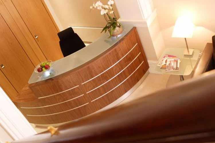 Front Desk - Quebecs Luxury Apartments - Leeds