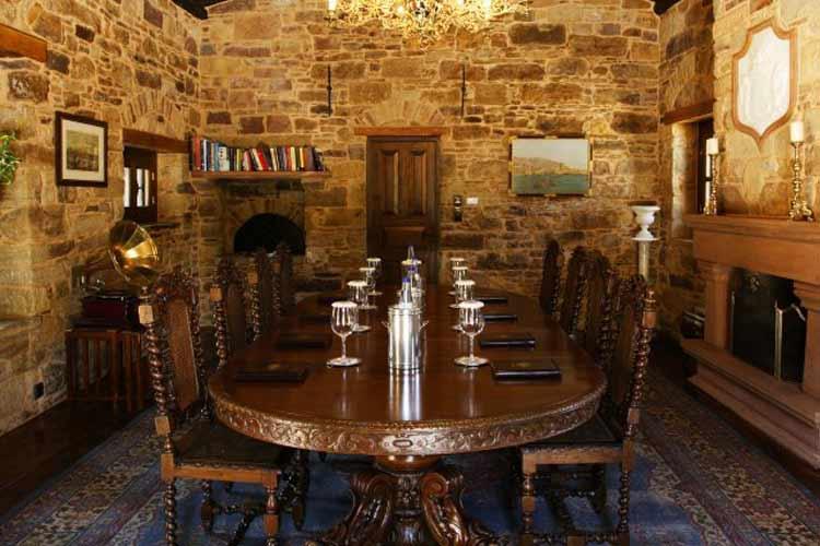 Private Dining Room - Argentikon Luxury Suites - Kampos