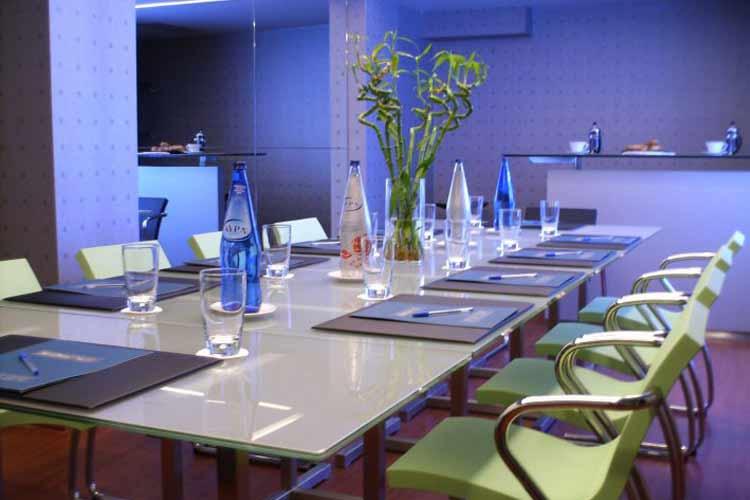 Meeting Room - Periscope - Atenas