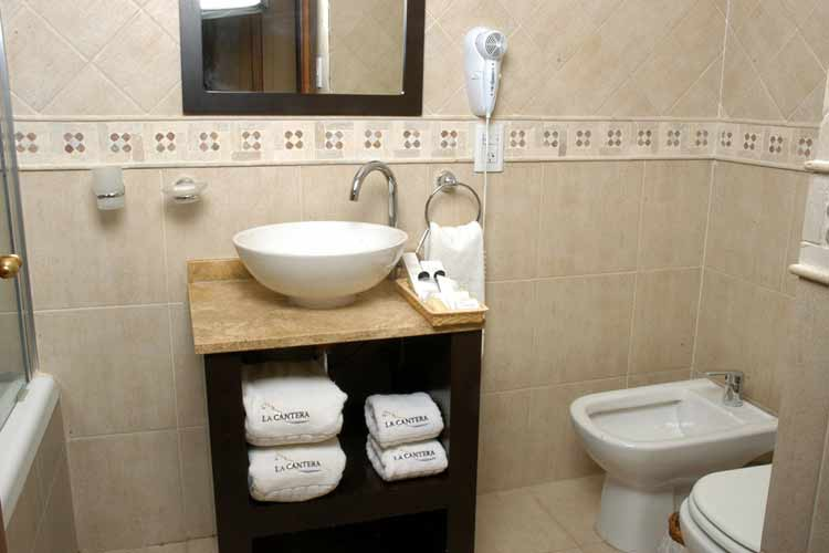 Montana Bathroom - La Cantera - El Calafate