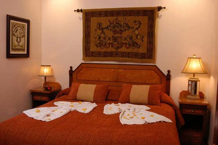 Cherry Room - Boutique Hotel Mansion Alcazar - Cuenca