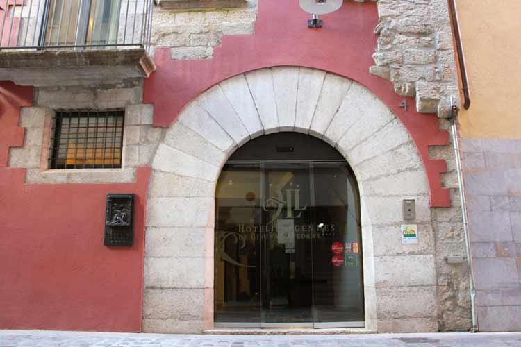 Front Door - Hotel Llegendes de Girona Catedral - Girona
